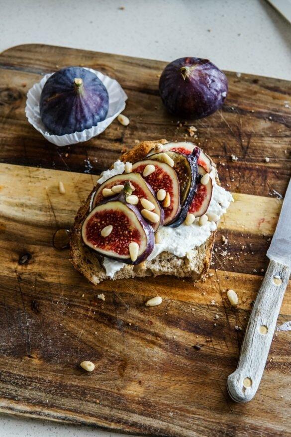 Jesienne kanapki z ricottą, figami i miodem waniliowo-cytrynowym 20