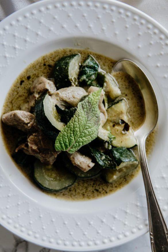Tajskie zielone curry z indykiem i cukinią 22