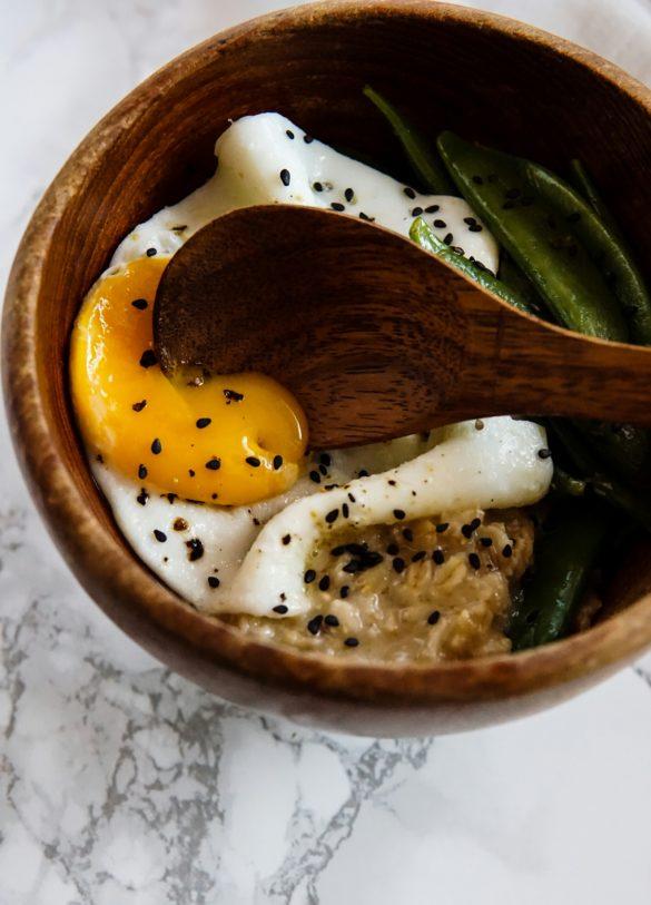 Wytrawna owsianka z masłem miso 46