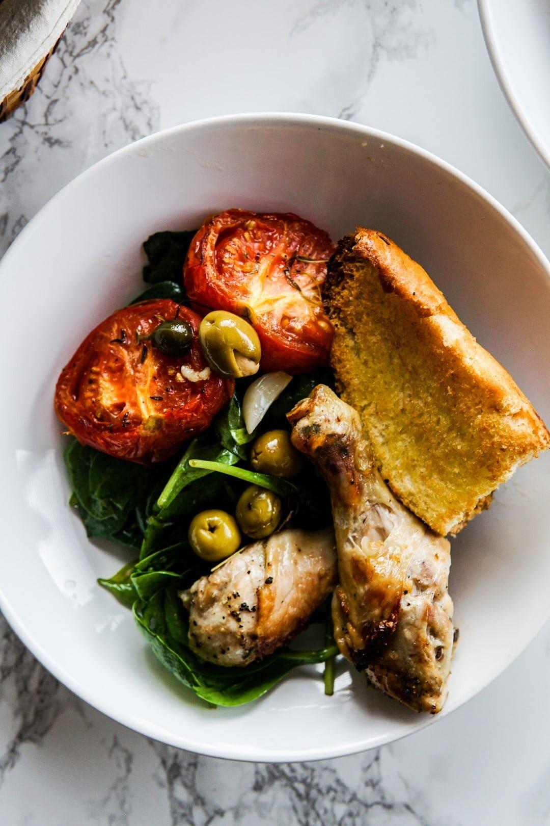 Kurczak pieczony w pomidorach, oliwkach i czosnku 6