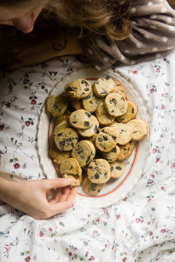 Maślano-miodowe ciasteczka z suszonymi śliwkami 8