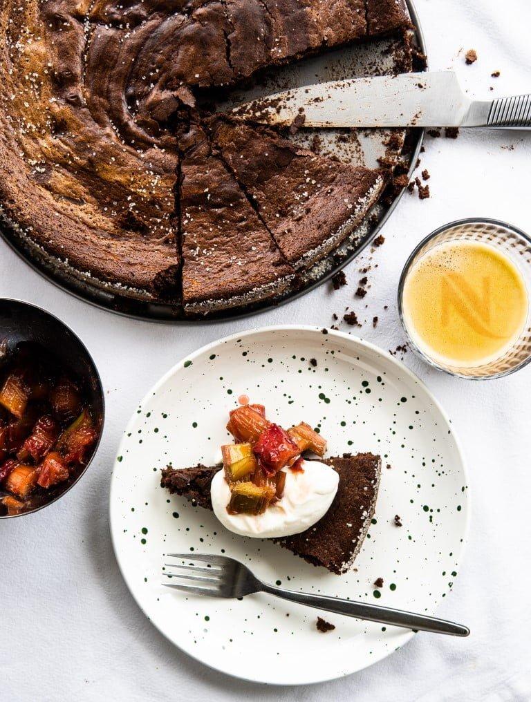 Lekkie bezmączne ciasto czekoladowe z kawą 4