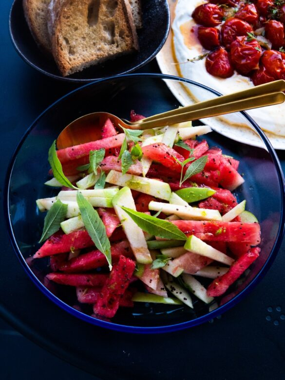 Sałatka z arbuza, jabłka i werbeny cytrynowej 17