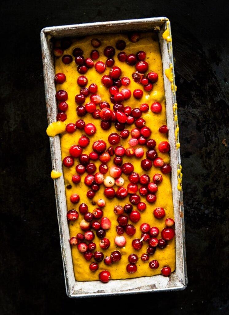 Mięciutkie ciasto dyniowe z żurawiną 2