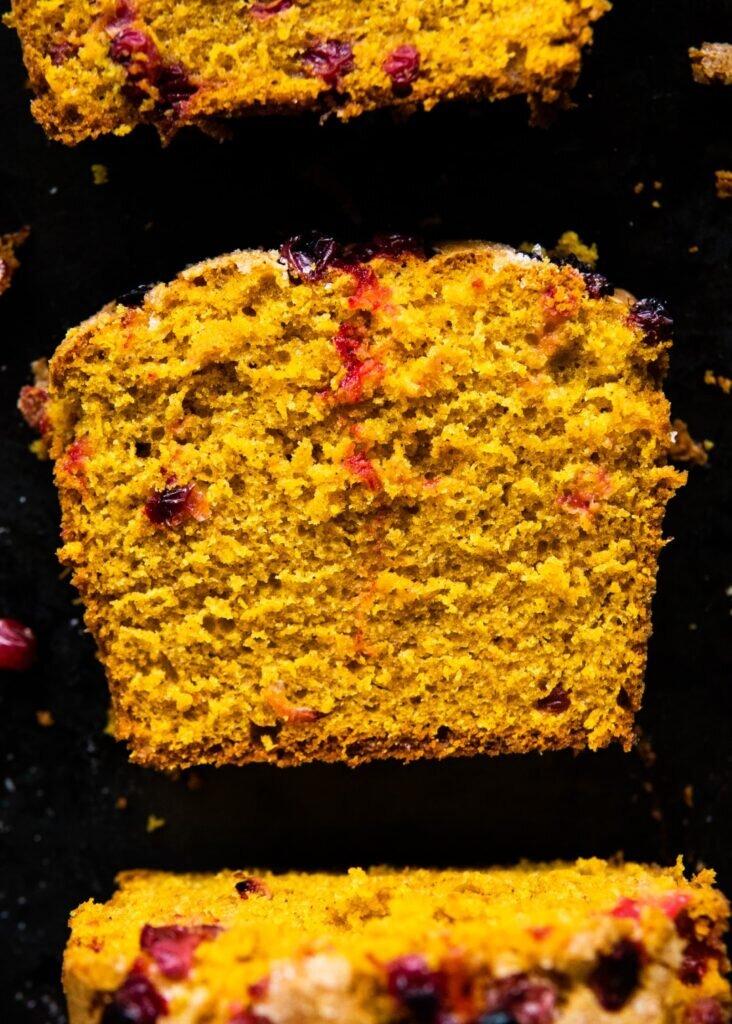Mięciutkie ciasto dyniowe z żurawiną 1