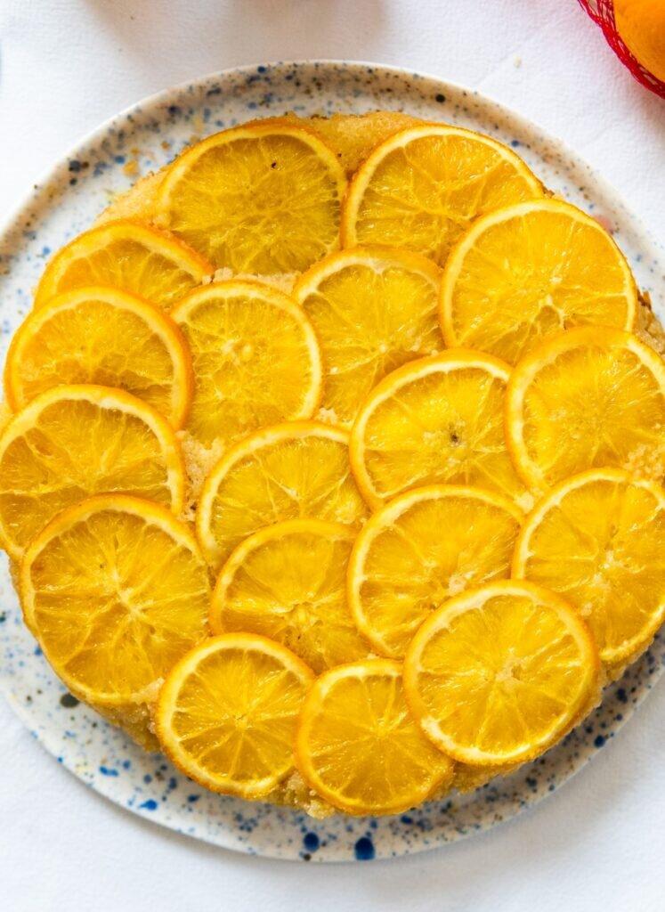 Odwrócone ciasto migdałowe z pomarańczami i likierem Cointreau 1
