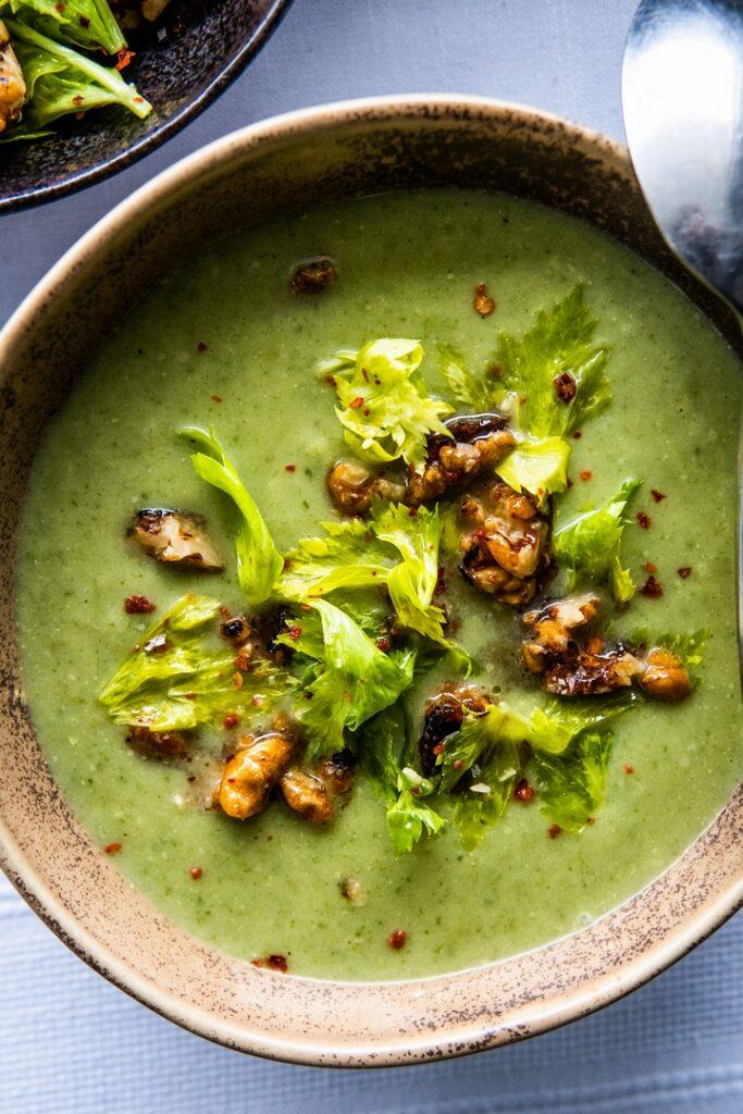 Zupa z selera naciowego i orzechów włoskich, tylko dla zaawansowanych 2