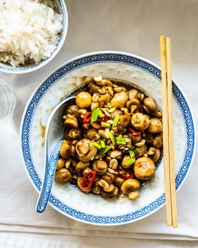 Grzybki Kung Pao, prosty wegański obiad w 15 minut 1